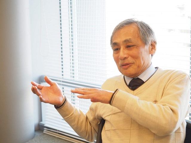 明治大学商学部 小川智由教授